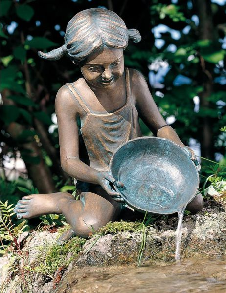 Bronzefigur Sara von Rottenecker