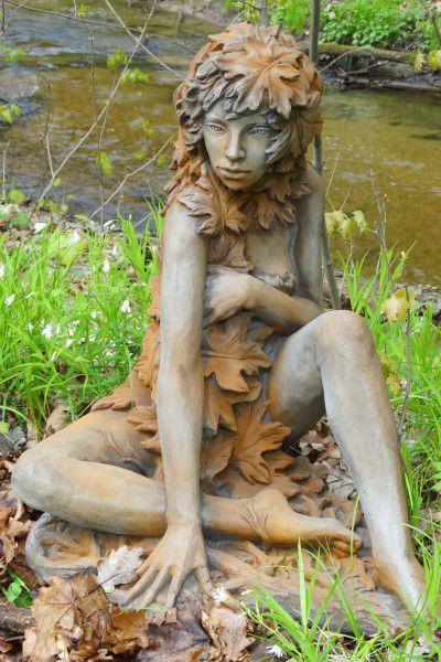 Gartenfigur Baumhüter AHORN aus Steinguss Rosteffekt