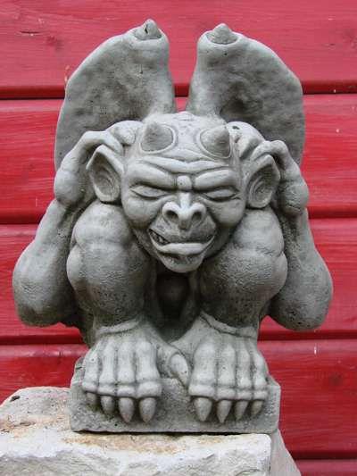 Gargoyle aus Steinguss