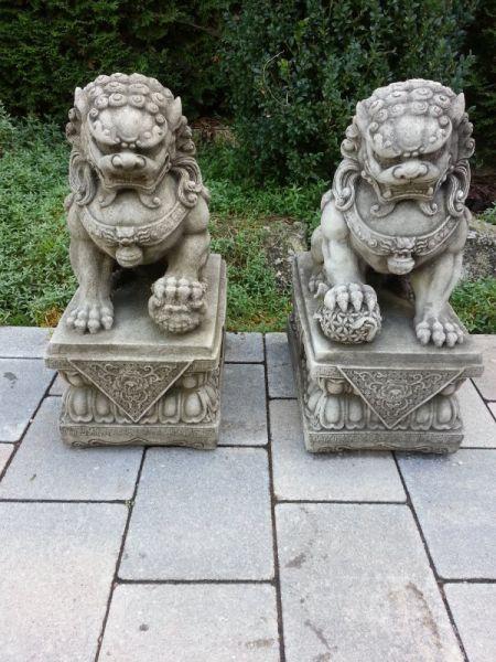Asiatische Steinfigur Fu Hund