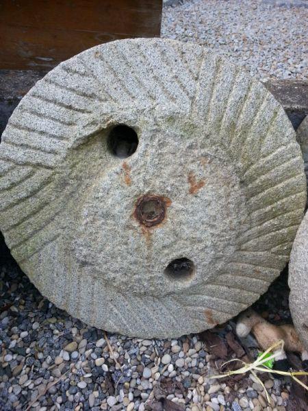 Mühlstein aus Granit 2