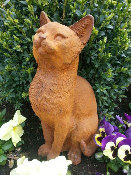 Katze aus Gusseisen mit Naturrost Patina