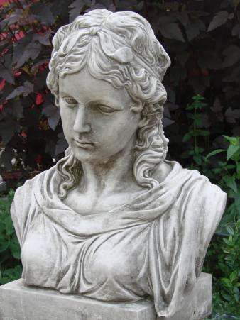 Büste Viktoria aus Steinguss