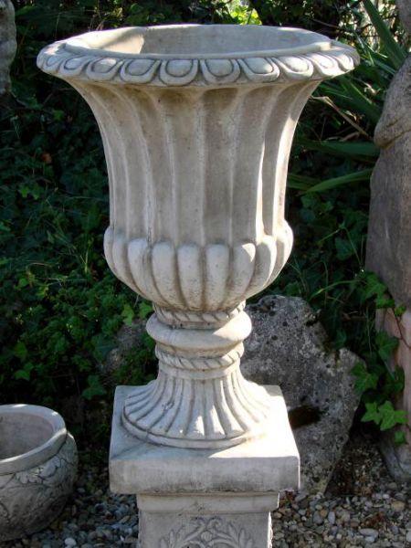 Große Gartenamphore aus englischem Antik-Steinguss