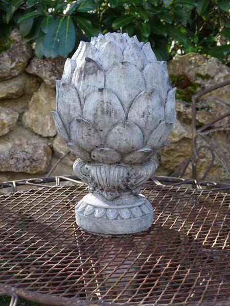 Tolle Gartendeko aus Steinguss - Zapfen