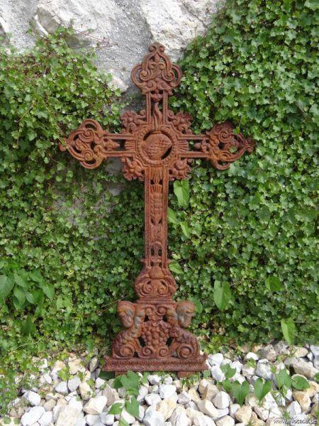 Kreuz aus Eisen Rost