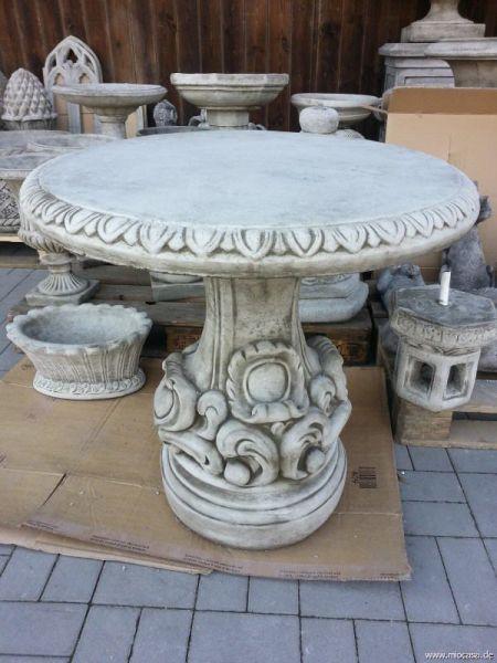 Steintisch aus englischem Steinguss rund