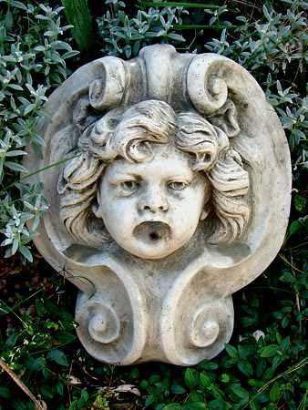 Face fountain brunnenauslauf wasserspeier aus steinguss for Gartenfiguren aus steinguss
