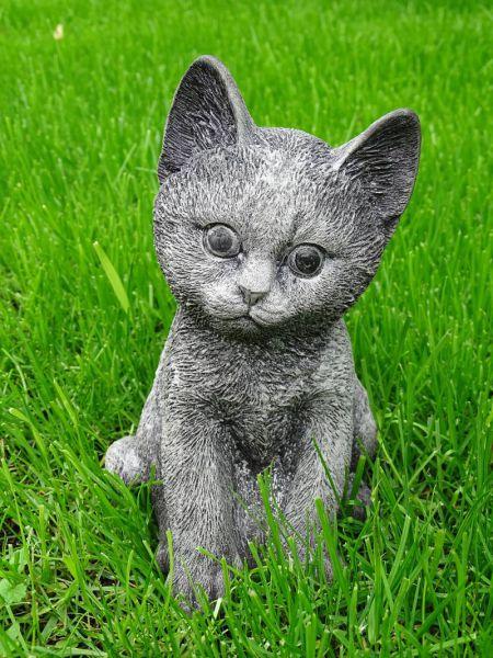 Kätzchen aus Steinguss