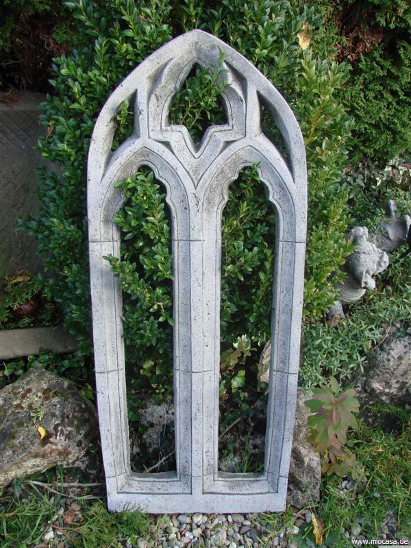mittleres gothisches fenster aus englischem antiksteinguss. Black Bedroom Furniture Sets. Home Design Ideas