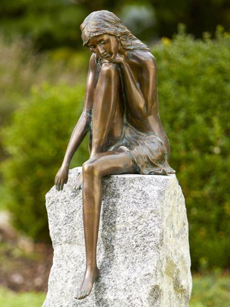 Emanuelle - Große Bronzefigur von Rottenecker Ambiente