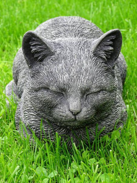 Katze Molly aus Steinguss