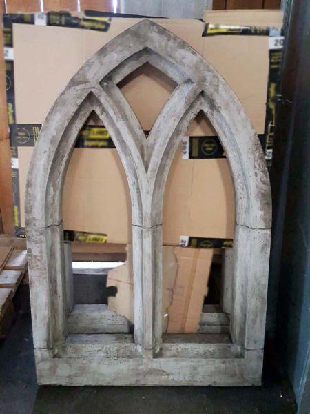 Gothisches Fenster oder Ruinenfenster