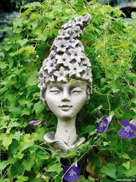 Blumenkind Rittersporn aus Steinguss