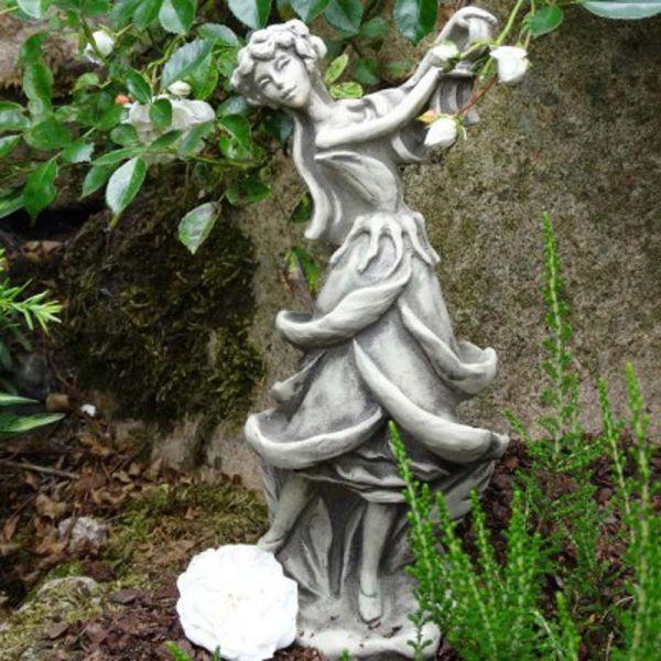 Blütentänzerin Rose aus Steinguss