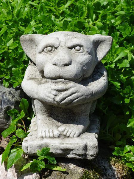 Gargoyle Ear aus Steinguss