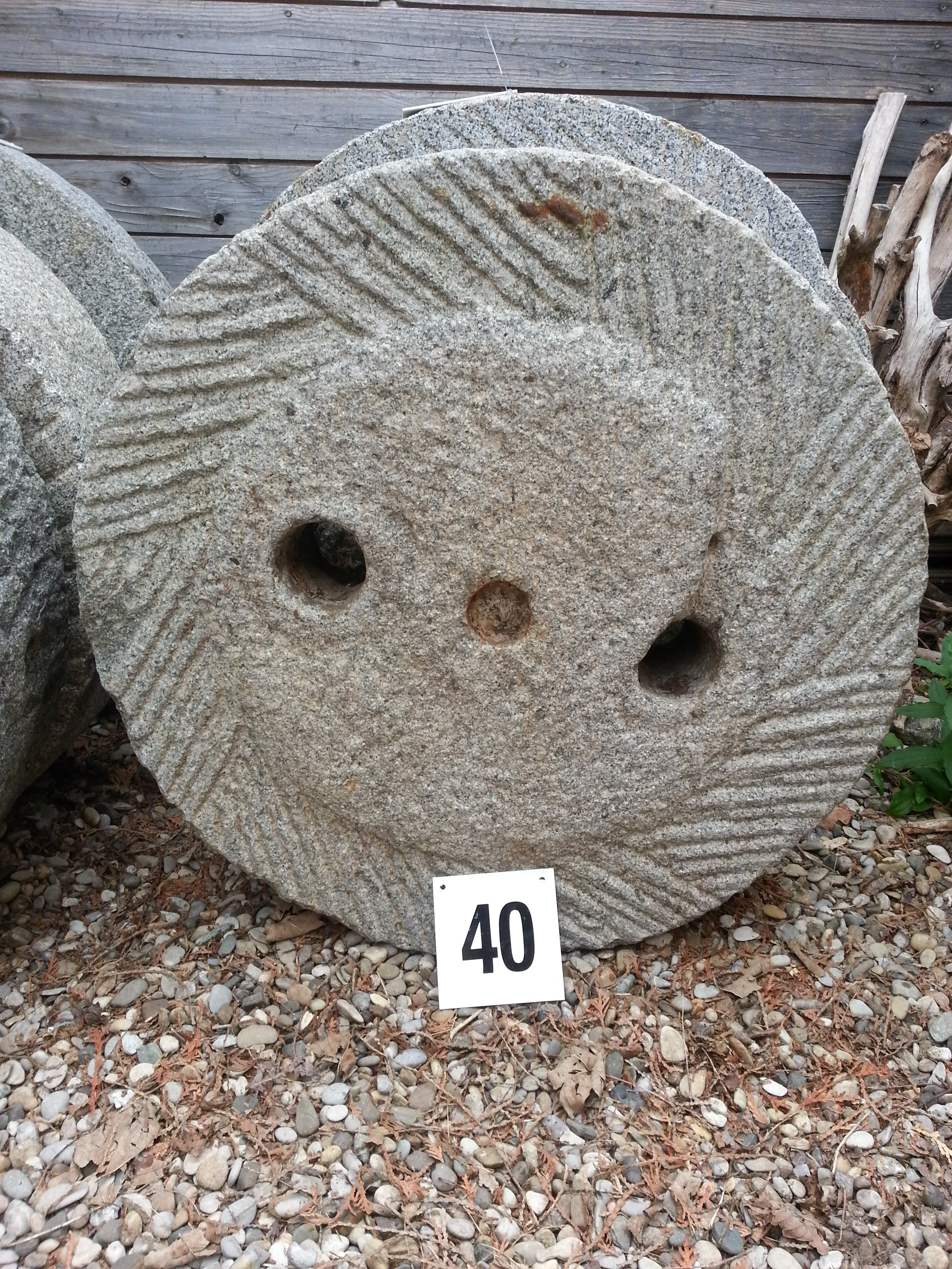 alter m hlstein aus granit 40 steinfiguren i. Black Bedroom Furniture Sets. Home Design Ideas
