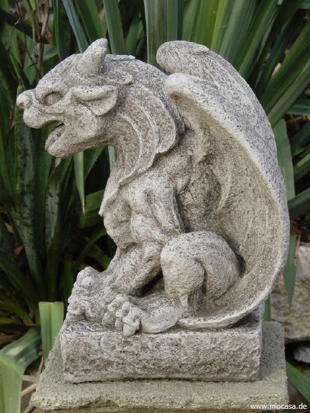 Wächterfigur Gargoyle aus Steinguss
