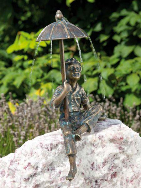 Bronzefigur Flo von Rottenecker Ambiente