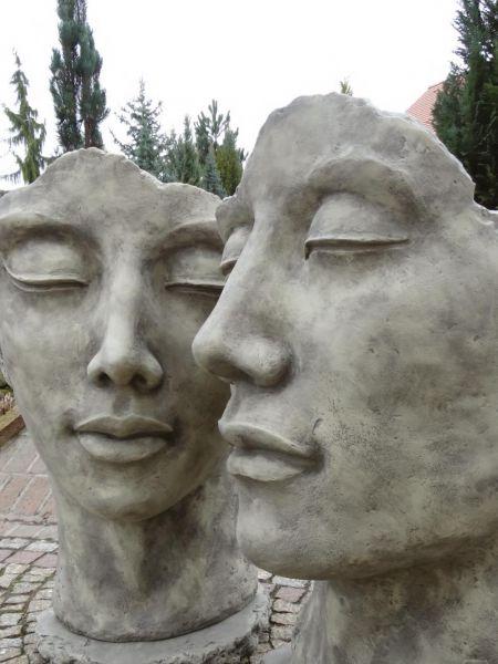 Gesicht Mann und Frau aus Steinguss von Vidroflor