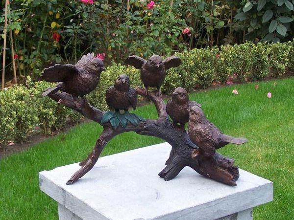 Spatzen auf Zweig aus Bronze