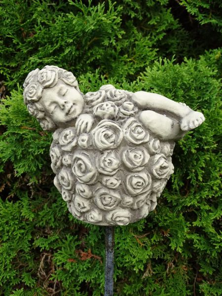 Sprössling Rosenkugel - Eine wunderbare Steinfigur