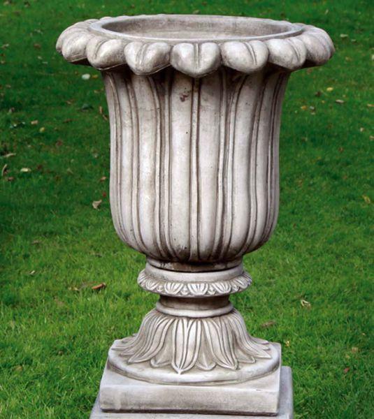 Large Fluted Urn Vase aus Steinguss