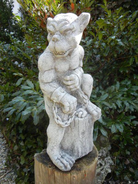 Chain Gargoyle aus Steinguss