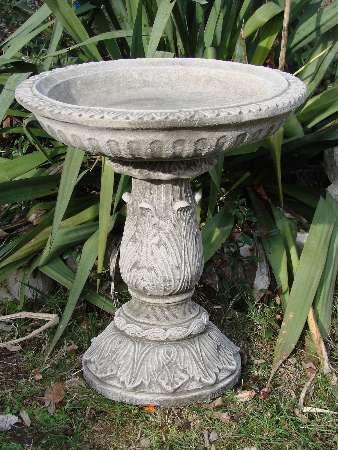 Vogelbad Ornate aus Steinguss
