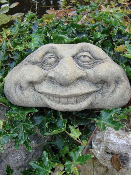 """Lebender Stein """"Grin"""" - wetterfeste Gartendekofigur"""