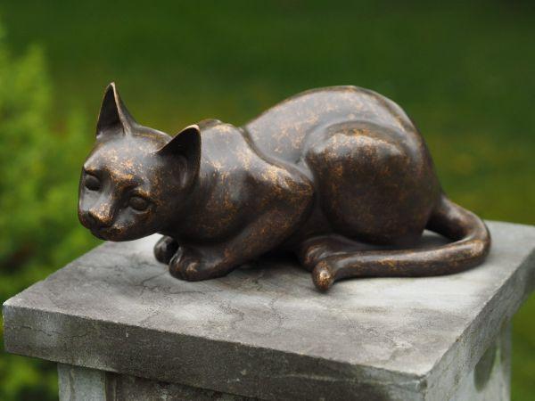Katze liegend aus Bronze gegossen - Bronze Katze aus Bronzeguss