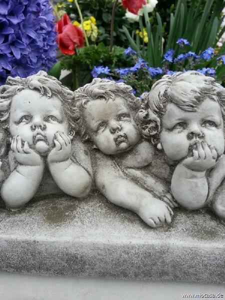 Engelband aus Steinguss