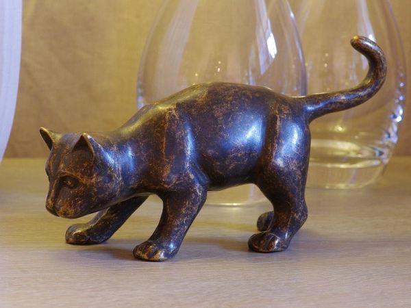 Kleine Katze aus Bronze