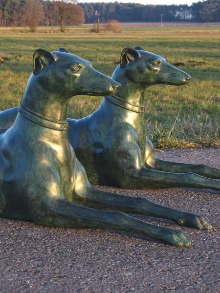 Dobermann Windhund Bronze