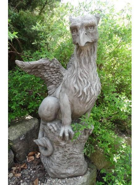 Steinfigur Greif oder Drache Granger by Fiona Jane Scott
