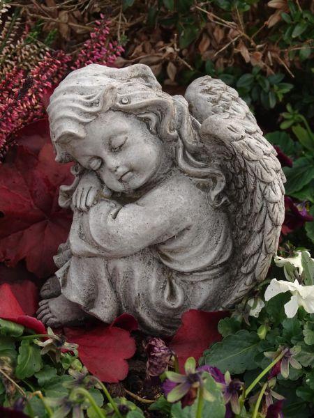 Steinfigur Engel Mädchen