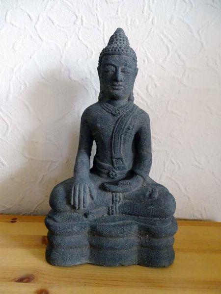 Sitzender Buddha thailändisch