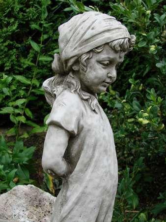 Gartenfigur Rose Girl Rosenmädchen