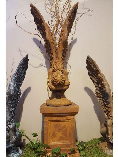 Engel RACHEL OXID aus Steinguss aus Sockel