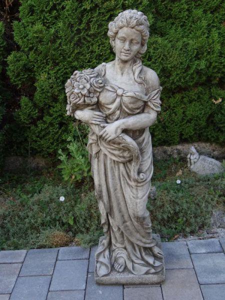 Gartenfigur Frau mit Blumen