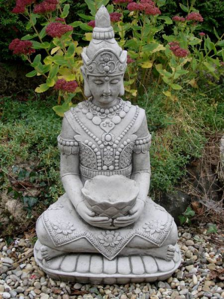 Lotus Buddha aus Steinguss