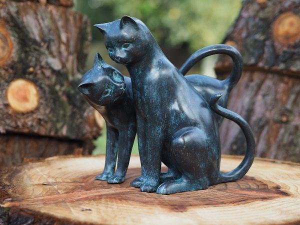 Katzen Paar stehend aus Bronze gegossen - Bronze Katze aus Bronzeguss