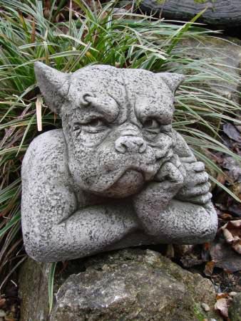 Gargoyle gordon aus frostfestem steinguss fiona scott for Gartenfiguren aus steinguss