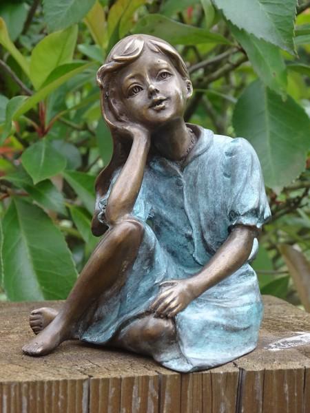 Bronzefigur Mädchen