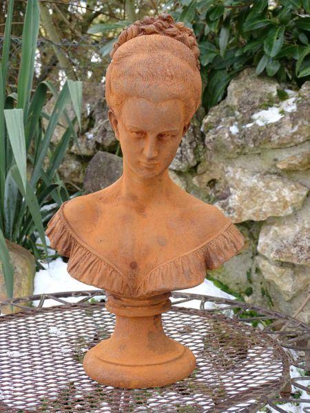 Büste Lady Anne Gusseisen