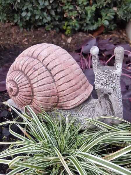Gartenfigur Schnecke kriechend aus Steinguss
