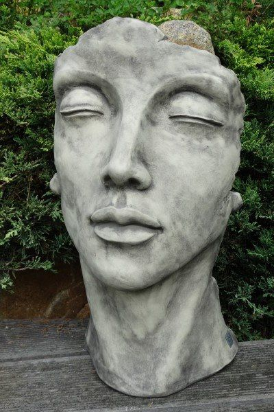 Gesicht Frau klein aus Steinguss