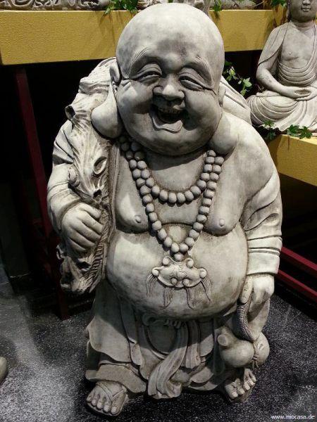 Happy Buddha aus frostfestem Steinguss