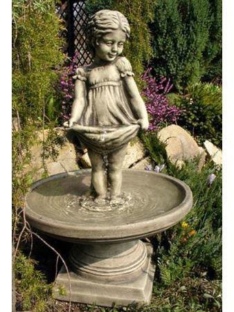 Brunnen Sterntaler Mädchen aus Steinguss