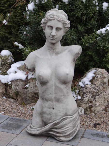 Frauentorso aus Steinguss